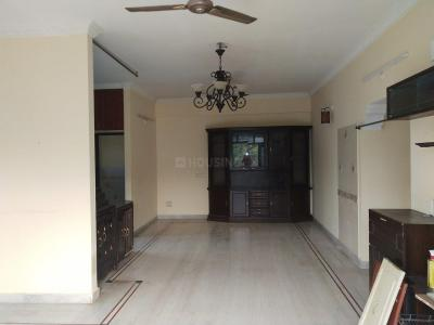 Gallery Cover Image of 2000 Sq.ft 3 BHK Apartment for rent in Banjara Hills for 35000