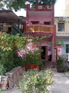 Gallery Cover Image of 1000 Sq.ft 2 BHK Independent House for buy in Nirnay Nagar for 5000000