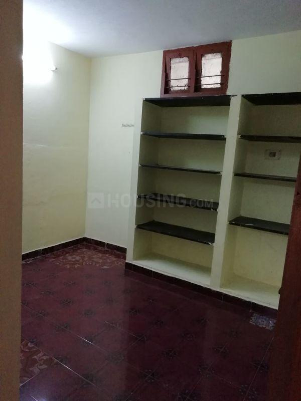Living Room Image of 600 Sq.ft 1 BHK Apartment for rent in Medavakkam for 8500
