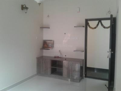 Gallery Cover Image of 570 Sq.ft 2 BHK Apartment for rent in Medavakkam for 11000