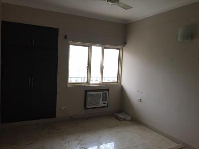 Gallery Cover Image of 1500 Sq.ft 3 BHK Apartment for rent in Zeta I Greater Noida for 15500