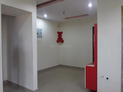 Gallery Cover Image of 810 Sq.ft 2 BHK Apartment for buy in Kolathur for 4900000