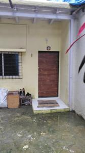 Gallery Cover Image of 200 Sq.ft 1 RK Independent House for rent in Santacruz West for 27000