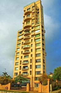 Gallery Cover Image of 4000 Sq.ft 4 BHK Apartment for rent in Madhuli Apartments, Worli for 550000