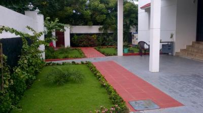 Gallery Cover Image of 3000 Sq.ft 4 BHK Independent House for rent in Panaiyur for 100000