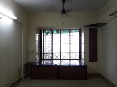 Gallery Cover Image of 650 Sq.ft 1 BHK Apartment for rent in Kandivali East for 17000