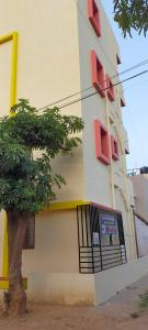 Gallery Cover Image of 4000 Sq.ft 9 BHK Independent House for buy in Kithaganur Colony for 9600000