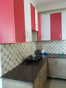 Gallery Cover Image of 1200 Sq.ft 2 BHK Apartment for rent in Noida Extension for 16500