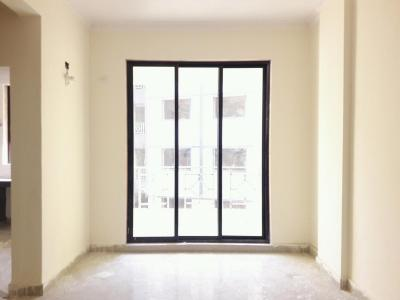 Gallery Cover Image of 805 Sq.ft 2 BHK Apartment for rent in Nandivali Gaon for 7000