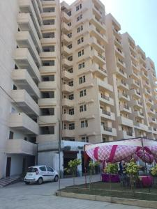 Gallery Cover Image of 1180 Sq.ft 2 BHK Apartment for rent in DBF Dev Heights, Dasna for 8000
