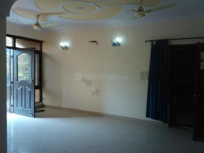 Gallery Cover Image of 1650 Sq.ft 3 BHK Apartment for buy in Sri Vinayak Apartment, Sector 22 Dwarka for 15800000