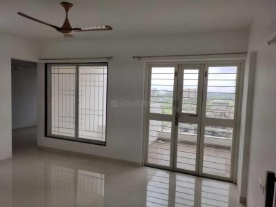 Gallery Cover Image of 1350 Sq.ft 3 BHK Apartment for rent in Dhanori for 21000