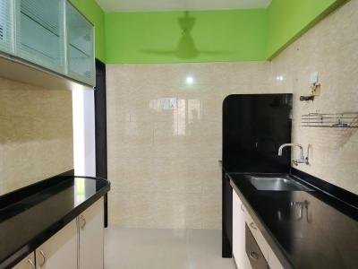 Gallery Cover Image of 1090 Sq.ft 2 BHK Apartment for rent in Ritej Jaydev Tower, Kandivali West for 30000