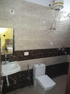 Bathroom Image of Royal PG in Police Lines
