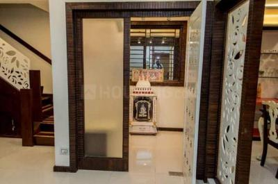Gallery Cover Image of 1200 Sq.ft 3 BHK Independent House for buy in Madambakkam for 5600000