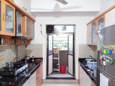 Gallery Cover Image of 1250 Sq.ft 3 BHK Apartment for rent in Kandivali East for 43000