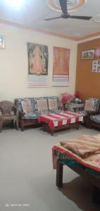 Gallery Cover Image of 1026 Sq.ft 2 BHK Apartment for buy in Dhawan Shiv Ganga Green City, Rehmadpur for 3200000