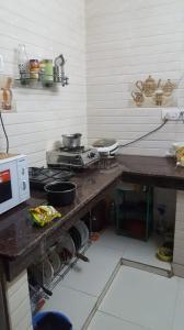 Kitchen Image of PG 6669865 Mukherjee Nagar in Mukherjee Nagar