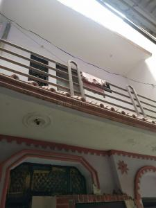 Gallery Cover Image of 400 Sq.ft 3 BHK Independent House for buy in Dwarka Mor for 2800000