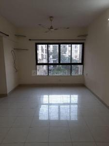 Gallery Cover Image of 660 Sq.ft 2 BHK Apartment for rent in Lokhandwala Neighbour Woods CHS, Kandivali East for 24000
