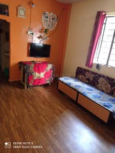 Gallery Cover Image of 325 Sq.ft 1 RK Apartment for buy in Pate National Park Society, Anand Nagar for 1600000