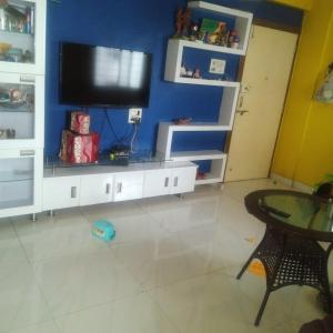 Gallery Cover Image of 937 Sq.ft 2 BHK Apartment for rent in Adinath Aangan Ph - II, Vikas Nagar for 12500