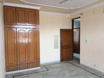 Gallery Cover Image of 400 Sq.ft 1 RK Independent House for rent in Sector 17 for 13000