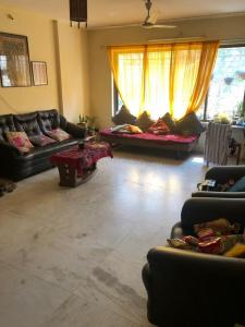 Gallery Cover Image of 1300 Sq.ft 2 BHK Apartment for rent in Govandi for 45000