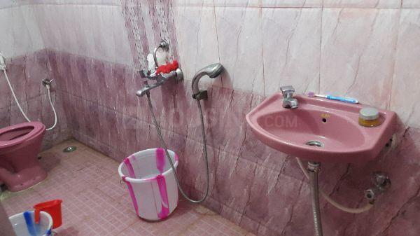वेलचेरी में सेलवी गर्ल्स पीजी के बाथरूम की तस्वीर