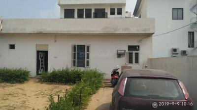 Gallery Cover Image of 3229 Sq.ft 2 BHK Independent House for buy in Sector 4 for 14500000