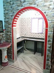 Gallery Cover Image of 423 Sq.ft 1 BHK Independent Floor for rent in Keshtopur for 5000