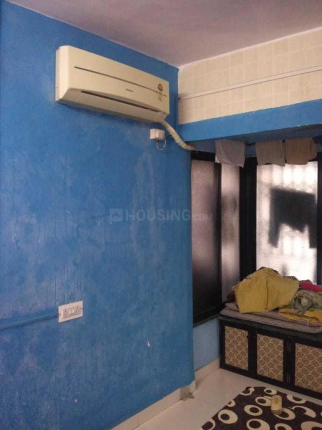 Bedroom Image of 710 Sq.ft 2 BHK Apartment for rent in Mira Road East for 14000