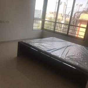 Gallery Cover Image of 1600 Sq.ft 3 BHK Apartment for rent in Santacruz West for 105000