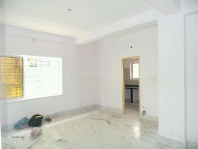 Gallery Cover Image of 1000 Sq.ft 2 BHK Apartment for buy in Lake Gardens for 6500000