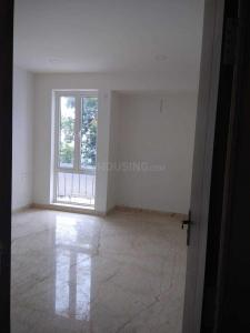 Gallery Cover Image of 1200 Sq.ft 3 BHK Apartment for rent in Mylapore for 30000