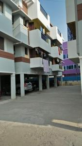 Gallery Cover Image of 725 Sq.ft 2 BHK Apartment for buy in Kolapakkam for 4700000
