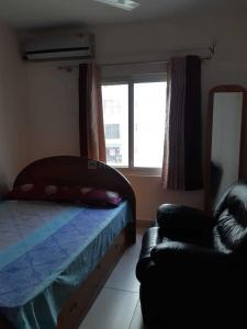 Gallery Cover Image of 1187 Sq.ft 2 BHK Apartment for buy in Huskur for 8500000