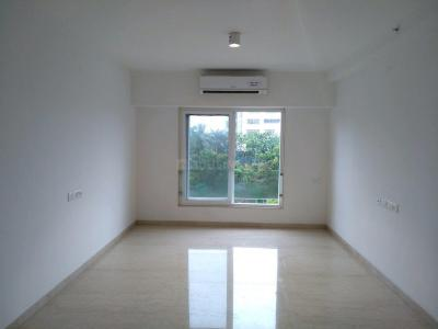 Gallery Cover Image of 1300 Sq.ft 3 BHK Apartment for buy in Bandra East for 52500000
