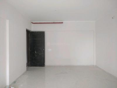 Gallery Cover Image of 1050 Sq.ft 2 BHK Apartment for buy in Malad West for 16000000