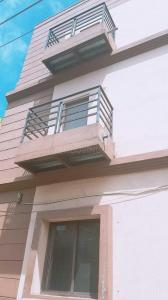 Gallery Cover Image of 800 Sq.ft 1 BHK Apartment for rent in Bennigana Halli for 11000