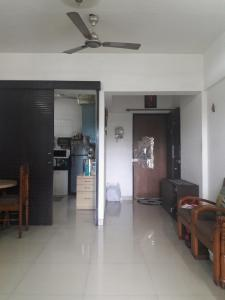 Gallery Cover Image of 1080 Sq.ft 2 BHK Apartment for rent in Thane West for 27000
