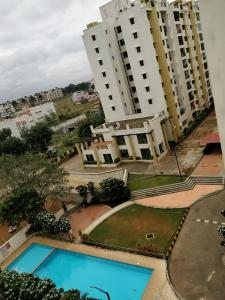 Gallery Cover Image of 1140 Sq.ft 2 BHK Apartment for rent in Pride Pristine, Gulimangala for 15500