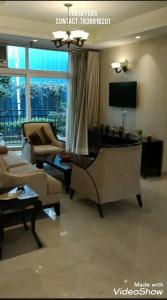 Gallery Cover Image of 3440 Sq.ft 5 BHK Apartment for buy in Mahagun Montage, Crossings Republik for 9116000
