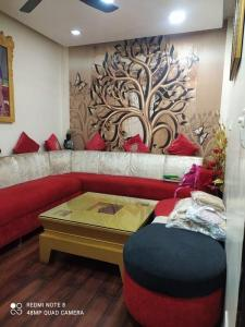 Gallery Cover Image of 1150 Sq.ft 2 BHK Apartment for rent in Patel Nagar for 32000