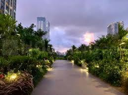 Gallery Cover Image of 2193 Sq.ft 3 BHK Apartment for rent in Oberoi Esquire, Goregaon East for 135000