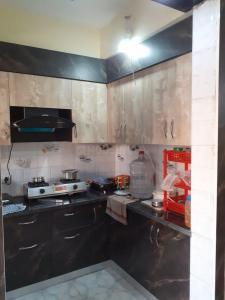 Gallery Cover Image of 825 Sq.ft 2 BHK Apartment for rent in Paras Tierea, Sector 137 for 16000