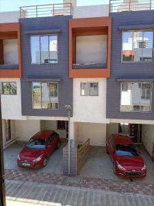 Gallery Cover Image of 1500 Sq.ft 3 BHK Villa for buy in Utsav Residency Utsav Residency, Udhna Zone for 4850000
