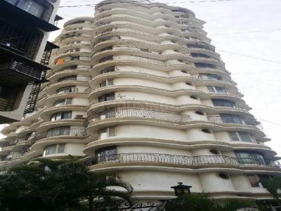 Gallery Cover Image of 1300 Sq.ft 3 BHK Apartment for rent in Mahim for 150000