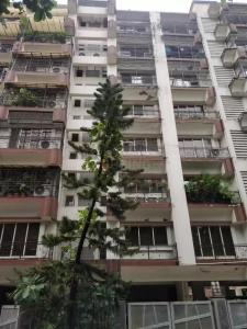 Gallery Cover Image of 1000 Sq.ft 2 BHK Apartment for buy in Nibbana Apartments, Bandra West for 70000000