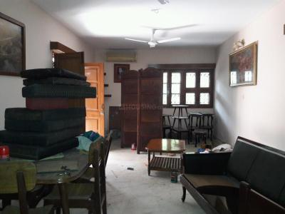 Gallery Cover Image of 1500 Sq.ft 2 BHK Apartment for rent in Vasant Kunj for 45000